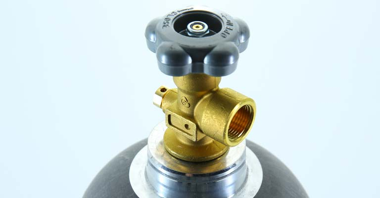 Valve on aluminum cylinder